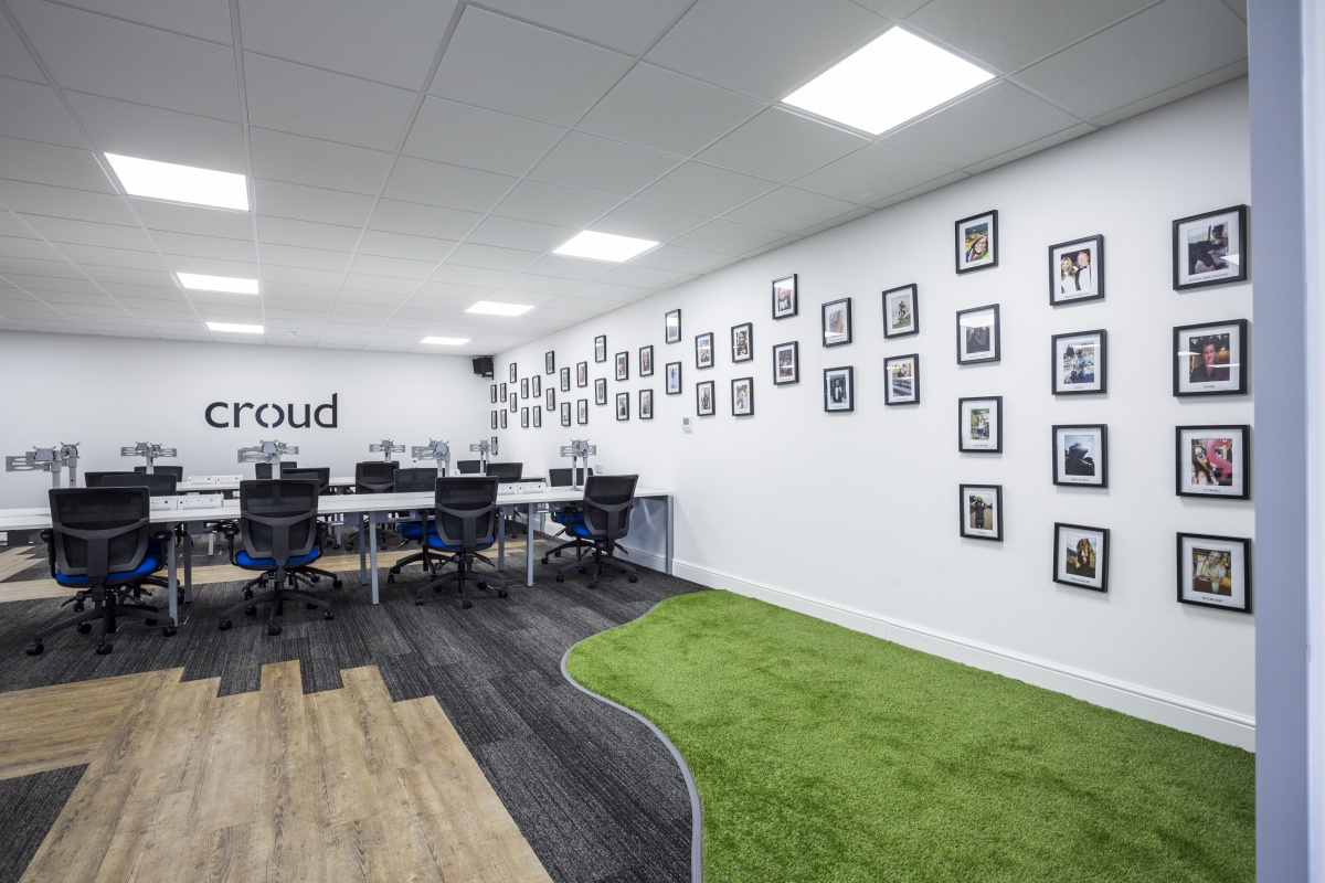 high quality office work. Happy To Travel Anywhere In The UK And Beyond (one Day, Hopefully), We\u0027re On Hand Venture Out Behalf Of POI Photograph Their Builds. High Quality Office Work R